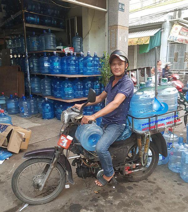 Dịch vụ giao nước khoáng vĩnh hảo tận nhà tại TpHCM
